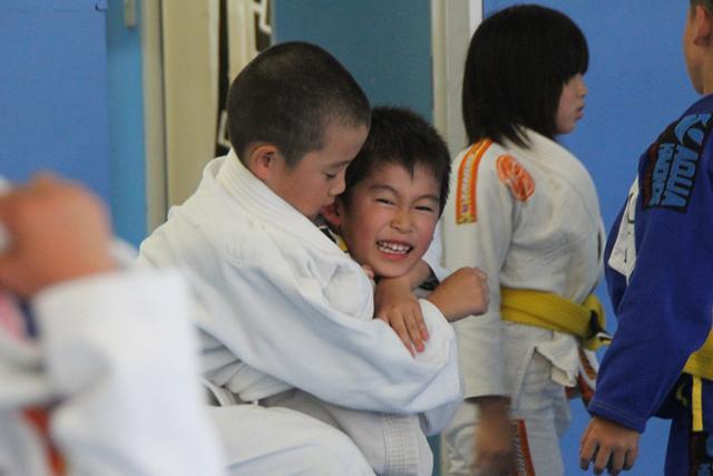 グレイシー柔術で子供たちの心と身体を鍛えましょう