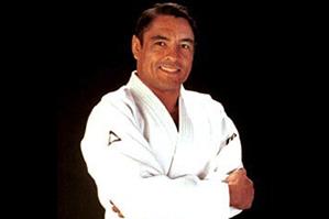 ヒクソン・グレイシー グレイシー柔術7段。始祖エリオ・グレイシーの三男。ヒクソン・グレイシー国際柔術連盟代表
